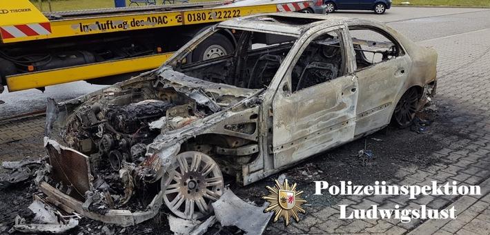 POL-LWL: PKW brannte auf der Autobahn