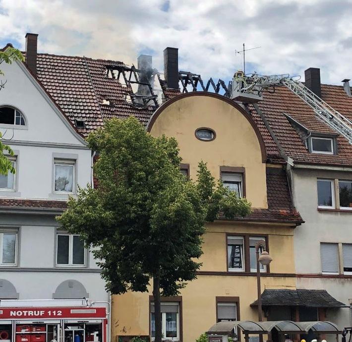 Pirmasens – Brand eines Mehrfamilienhauses – Leichnam bei erster Begehung im Obergeschoß aufgefunden