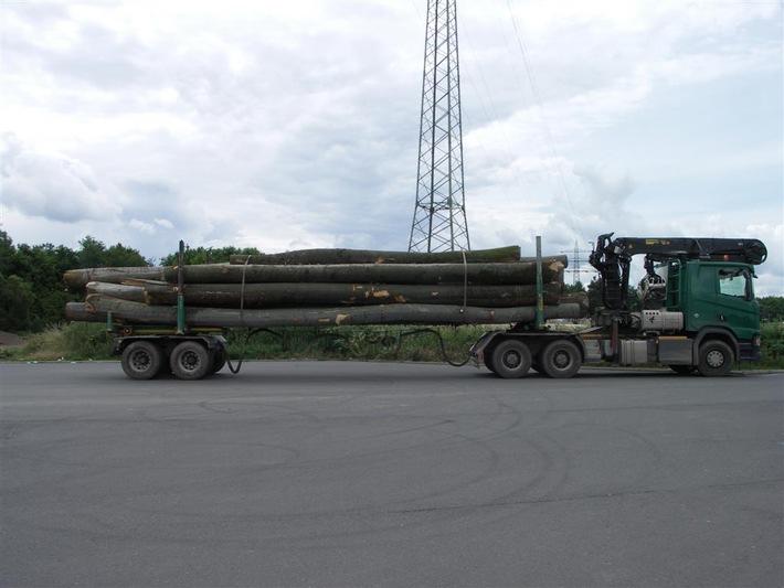 POL-PPTR: Holztransport mit über 50 Tonnen auf BAB A-1 gestoppt
