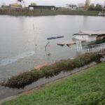 PP-ELT: Gesunkenes Hausboot im Hafenbecken Süd, Hafen Germersheim