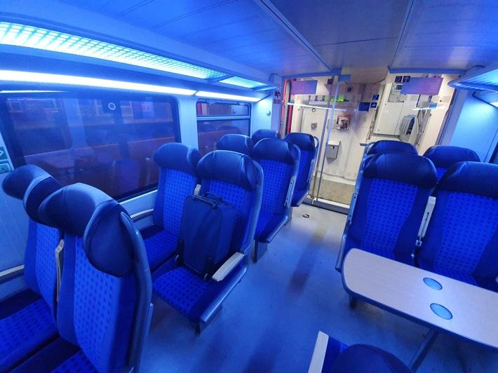 """BPOLI MD: """"Herrenloser Koffer"""" in Regionalbahn – Einsatz von Sprengstoffspürhund Nike"""