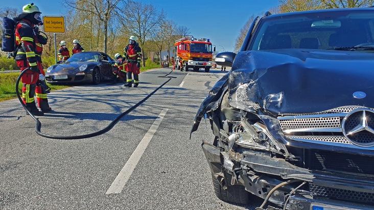Kreisfeuerwehrverband Segeberg  FW-SE: Kollision zwischen zwei PKW mit vier verletzten Personen