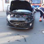 POL-WHV: Verkehrsunfall nach Vorfahrtsmissachtung in Wilhelmshaven - eine Fahrzeugführerin verletzt, beide Unfallfahrzeuge stark beschädigt