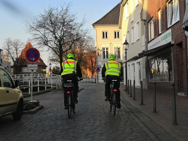 POL-STD: Mit dem Fahrrad auf Streife – Buxtehuder Polizisten in der Stadt unterwegs